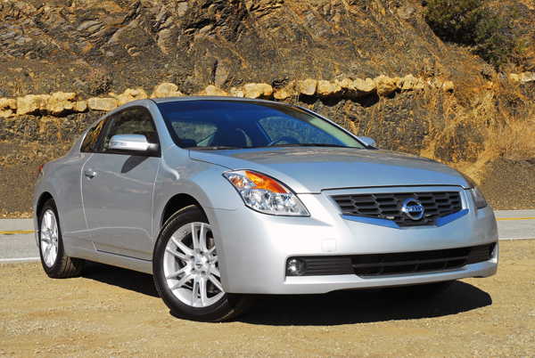 2009 Nissan Altima Coupe 3.5 SE Test Drive