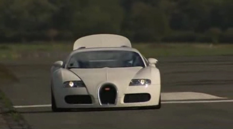 Top Gear Fast Lap: The Stig Gets His Hands On A Bugatti Veyron