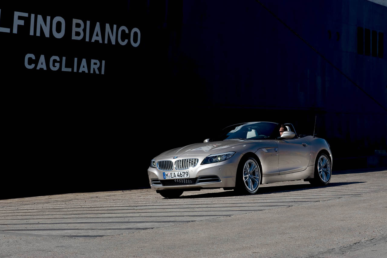 Official Unveiling 2010 Bmw Z4 Roadster Images Amp Videos
