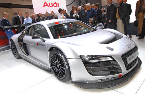 Audi R8 LMS – GT3-Spec Race Car In Action – Video