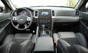 2009jeepgrandcherokeesrt8dashboard01small