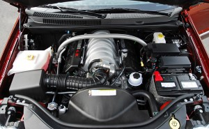 2009jeepgrandcherokeesrt8hemiengine01small