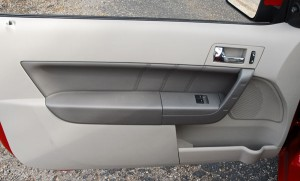 2009fordfocuscoupedoortrim01fixedsmall