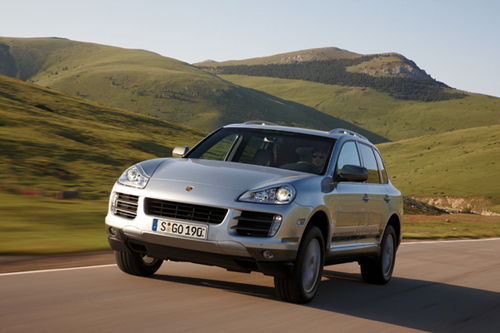 Porsche Enters The Hybrid Game With The Porsche Cayenne S Hybrid