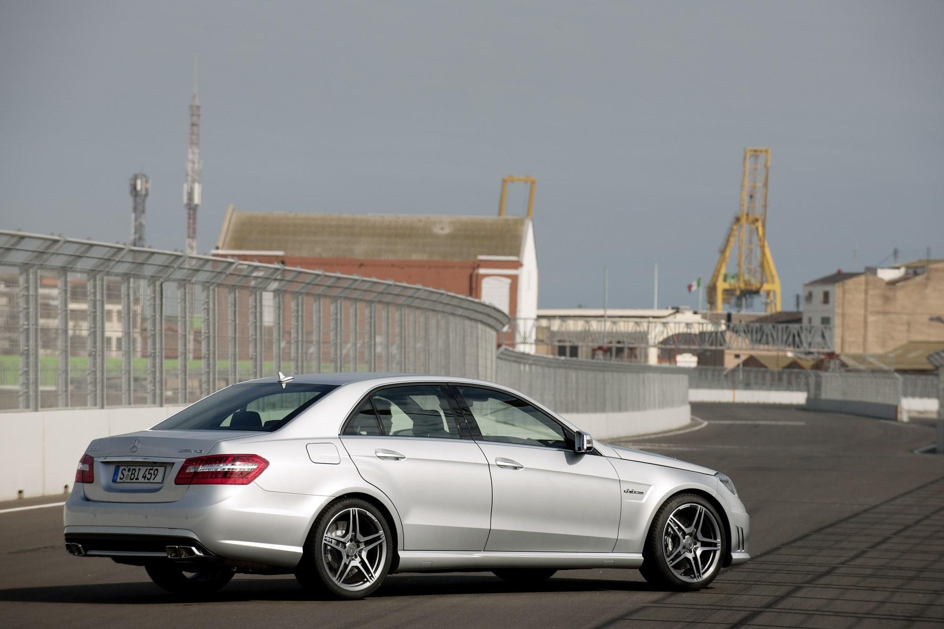 2010-mercedes-benz-e63-amg-side-rear.jpg