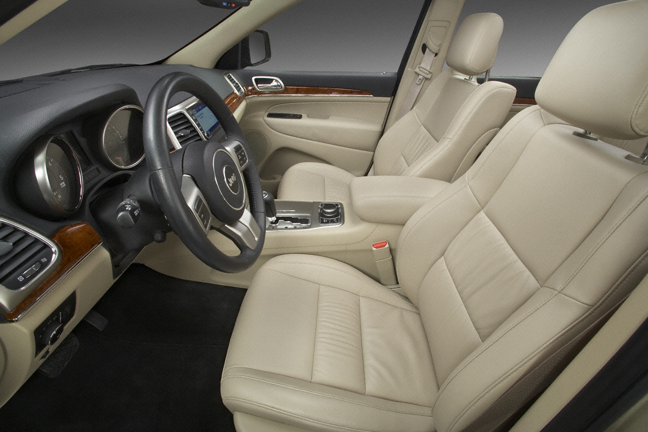 Gabby automotive 2011 jeep interior car pictures and review for 2011 grand cherokee interior