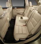 2011-jeep-grand-cherokee-rear-seats