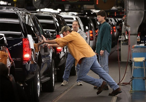 GM Plans to Shut-Down Plants For The Summer