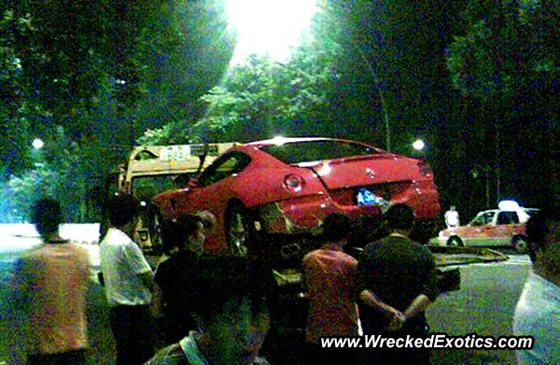 wrecked-ferrari-599-gtb-560