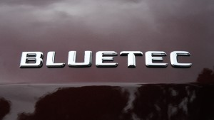 2009mercedesbenzgl320bluetecbadge01small