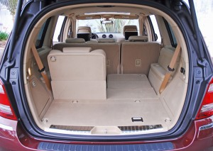 2009mercedesbenzgl320bluetecrearcargooneseatdown01small
