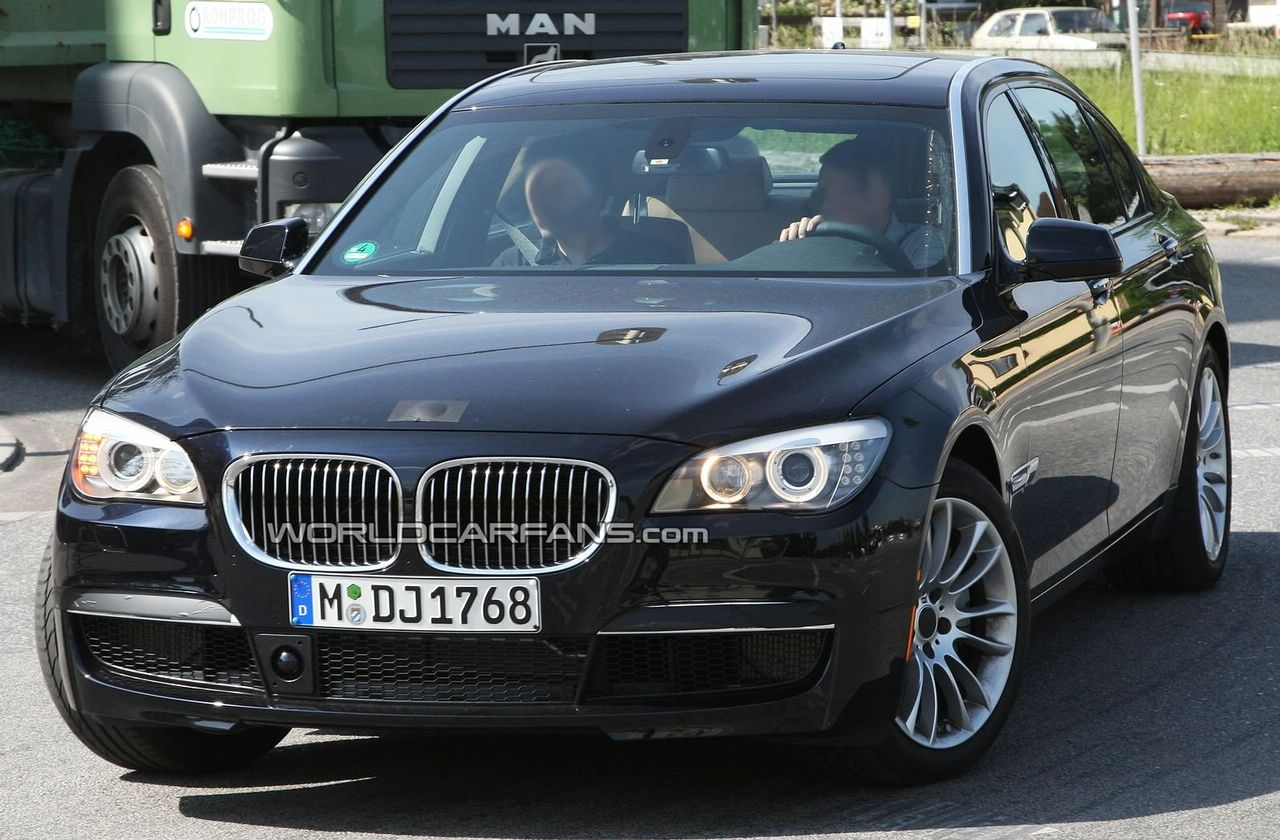 Bmw 7 Series M Sport Package Turning