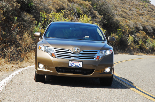 2009 toyota venza awd crossover review test drive. Black Bedroom Furniture Sets. Home Design Ideas