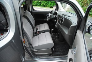 2009nissancubefrontseats01small