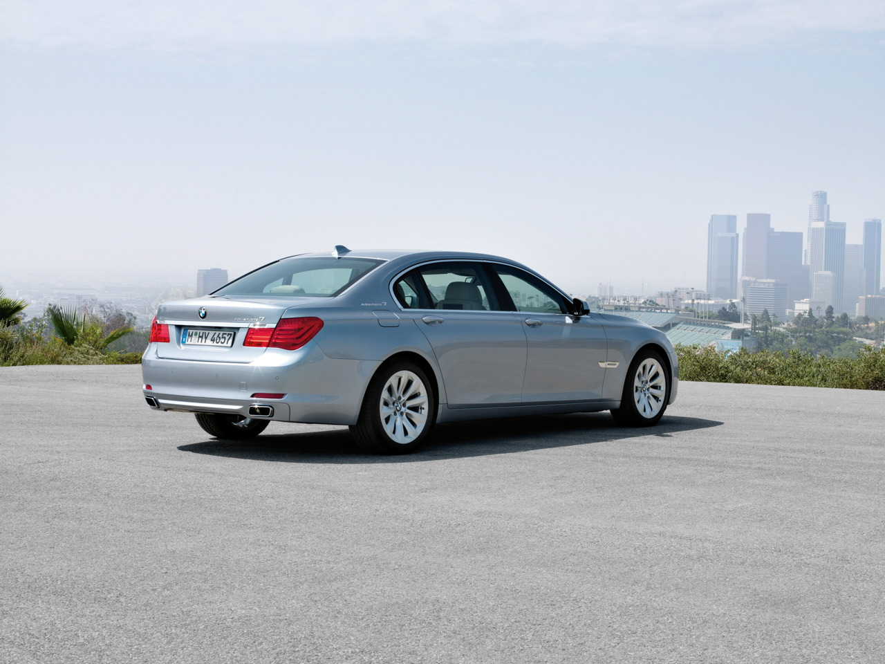 2010 BMW ActiveHybrid 7-Series Officially Revealed