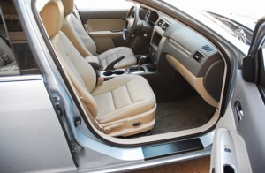 2010FordFusionHybridFrontSeats01small