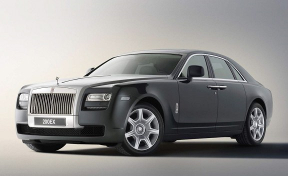 Ghost Caught In Action – Rolls-Royce Ghost Preview Video