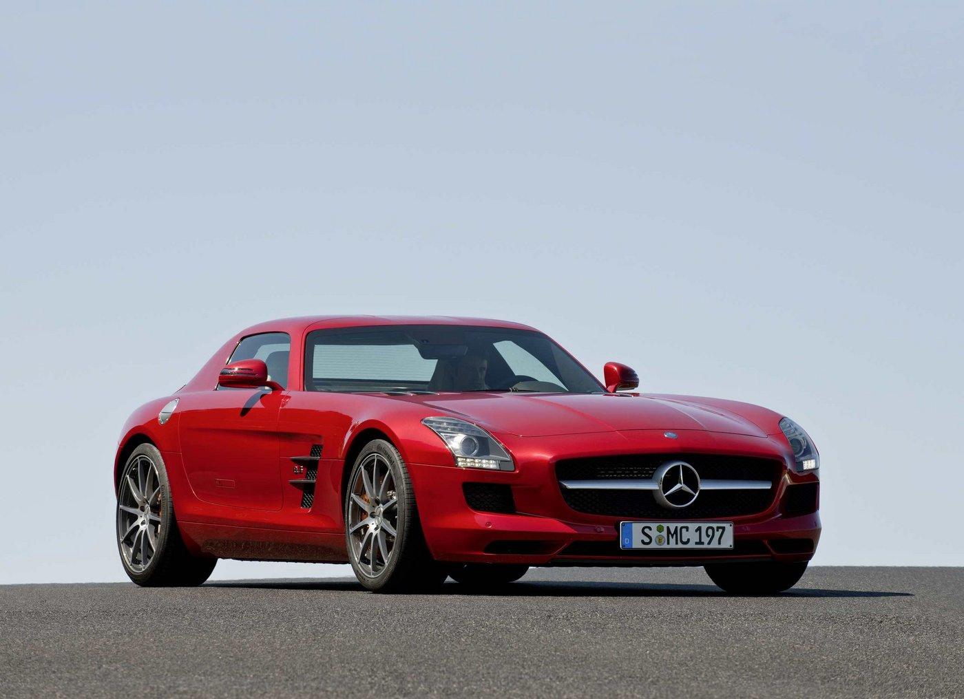 2010 mercedes benz sls amg images leaked for Mercedes benz sls amg cost