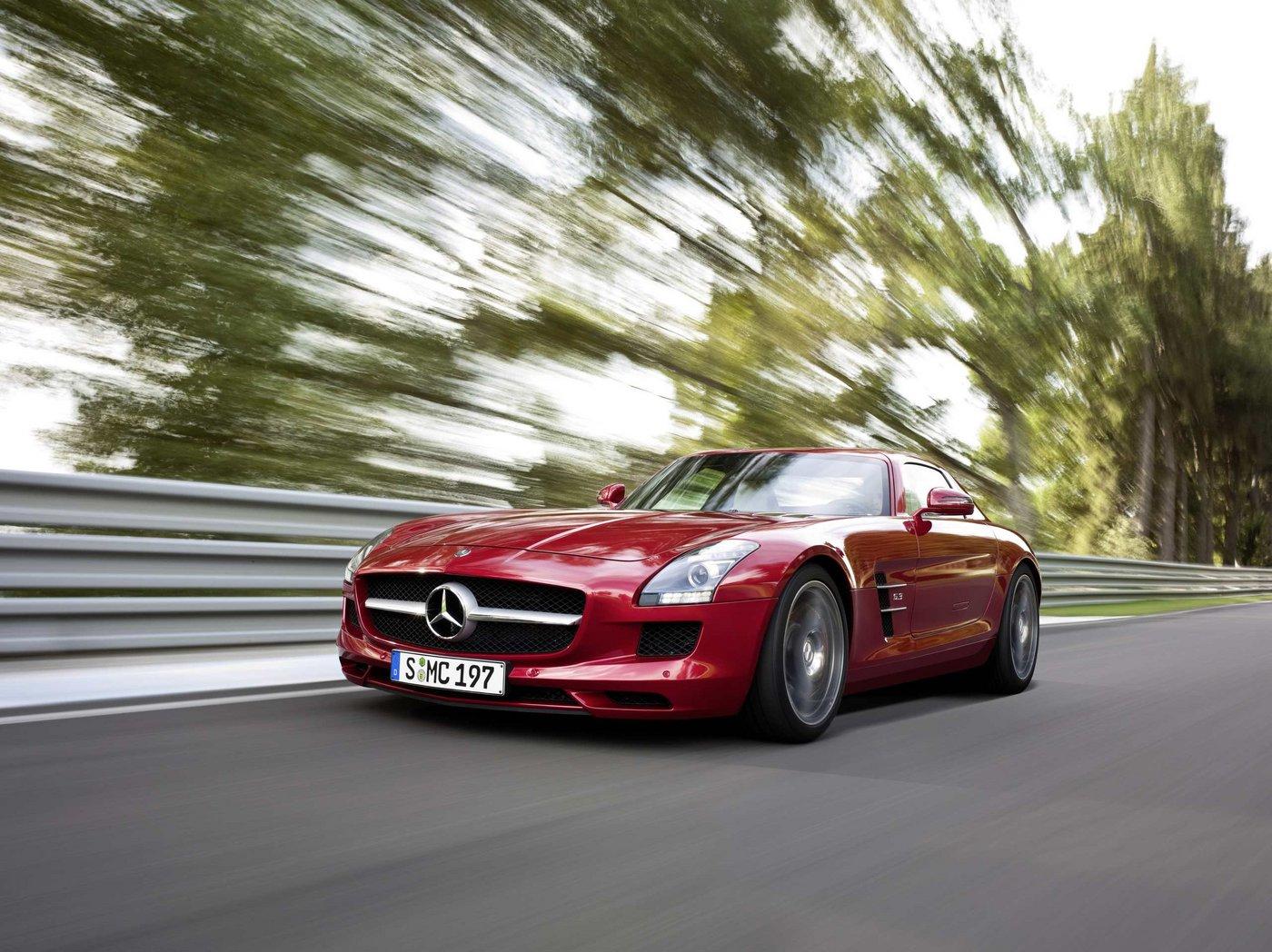 2010 mercedes benz sls amg images leaked for Mercedes benz sls amg red