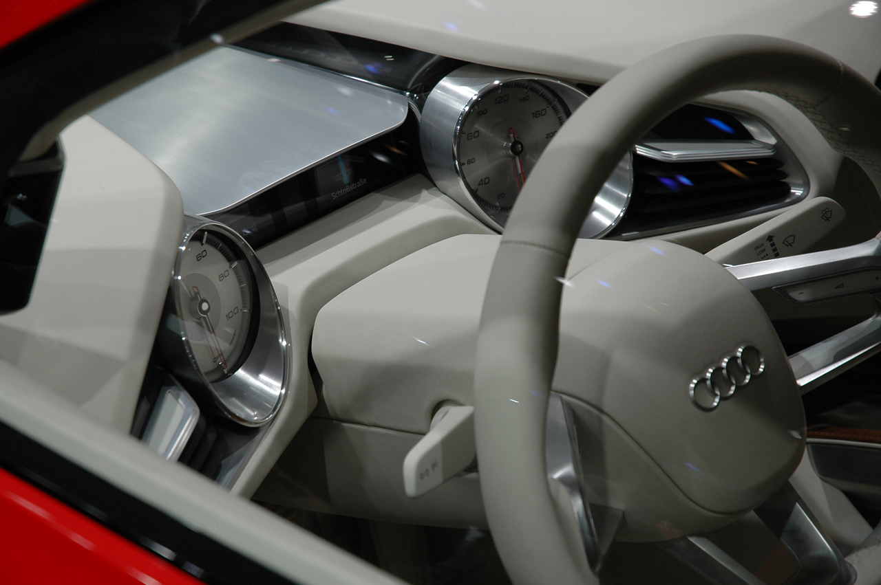 audi r8 e tron officially unveiled and displayed at. Black Bedroom Furniture Sets. Home Design Ideas