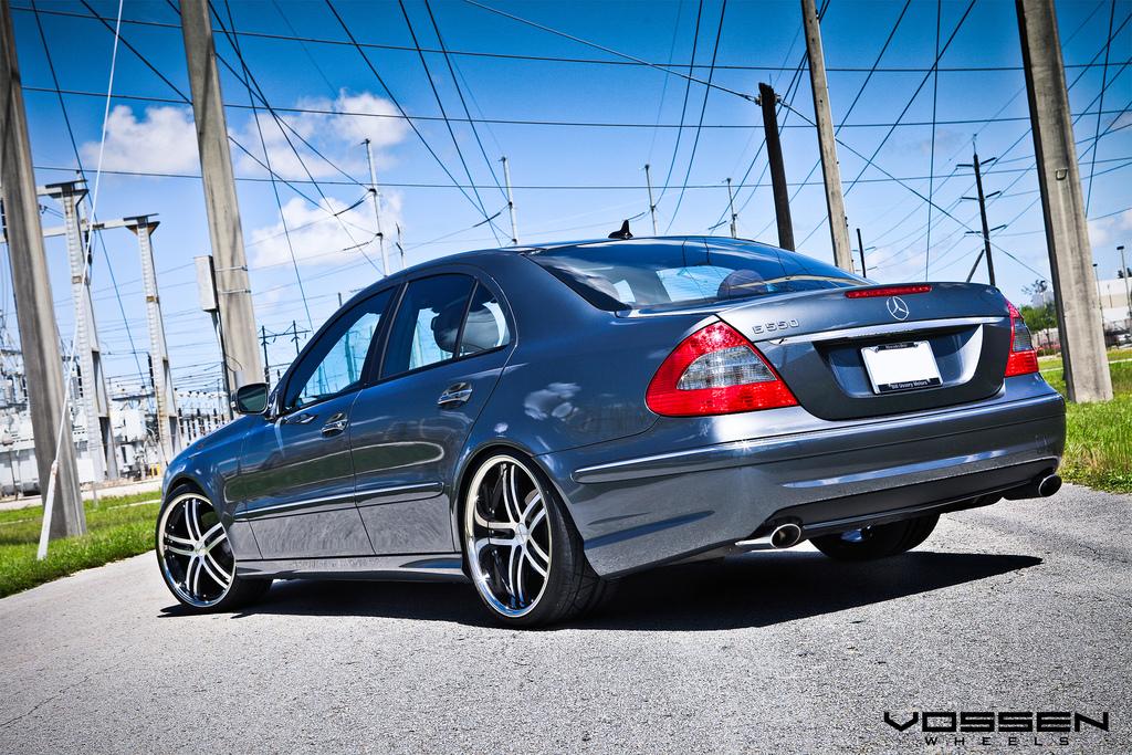 Mercedes benz e550 riding on 20 inch vossen vvs085 wheels for Mercedes benz 20 inch wheels