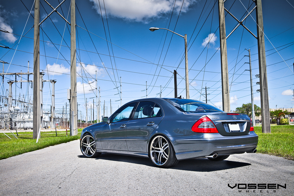 Mercedes benz e550 riding on 20 inch vossen vvs085 wheels for Mercedes benz e550 ride on