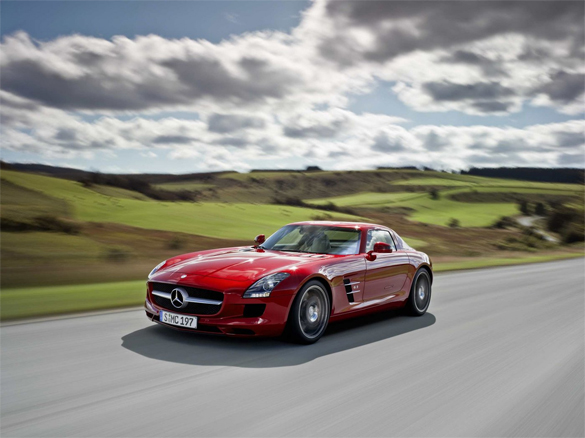 mercedes-benz-sls-amg-gullwing-585