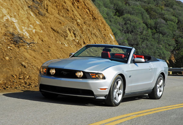 2010 ford mustang gt convertible review test drive. Black Bedroom Furniture Sets. Home Design Ideas