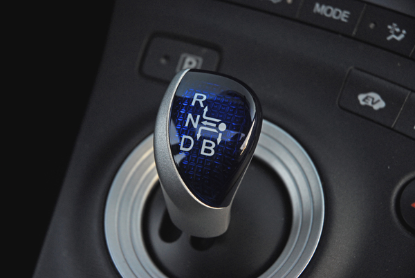 2009ToyotaPriusStickShifter01small