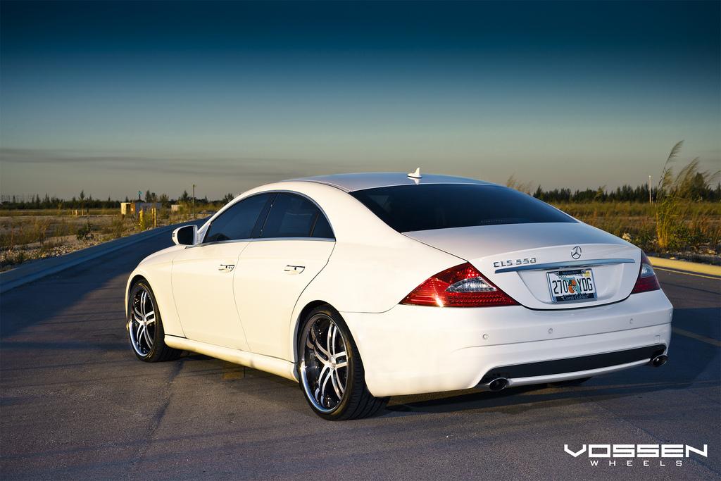 Mercedes benz cls 550 and vossen vvs 085 20 inch wheels for Mercedes benz 20 inch rims