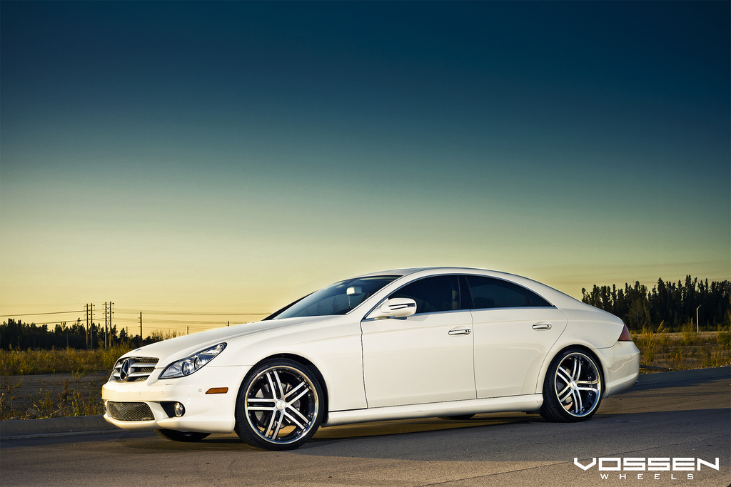 Mercedes benz cls 550 and vossen vvs 085 20 inch wheels for Mercedes benz 550s