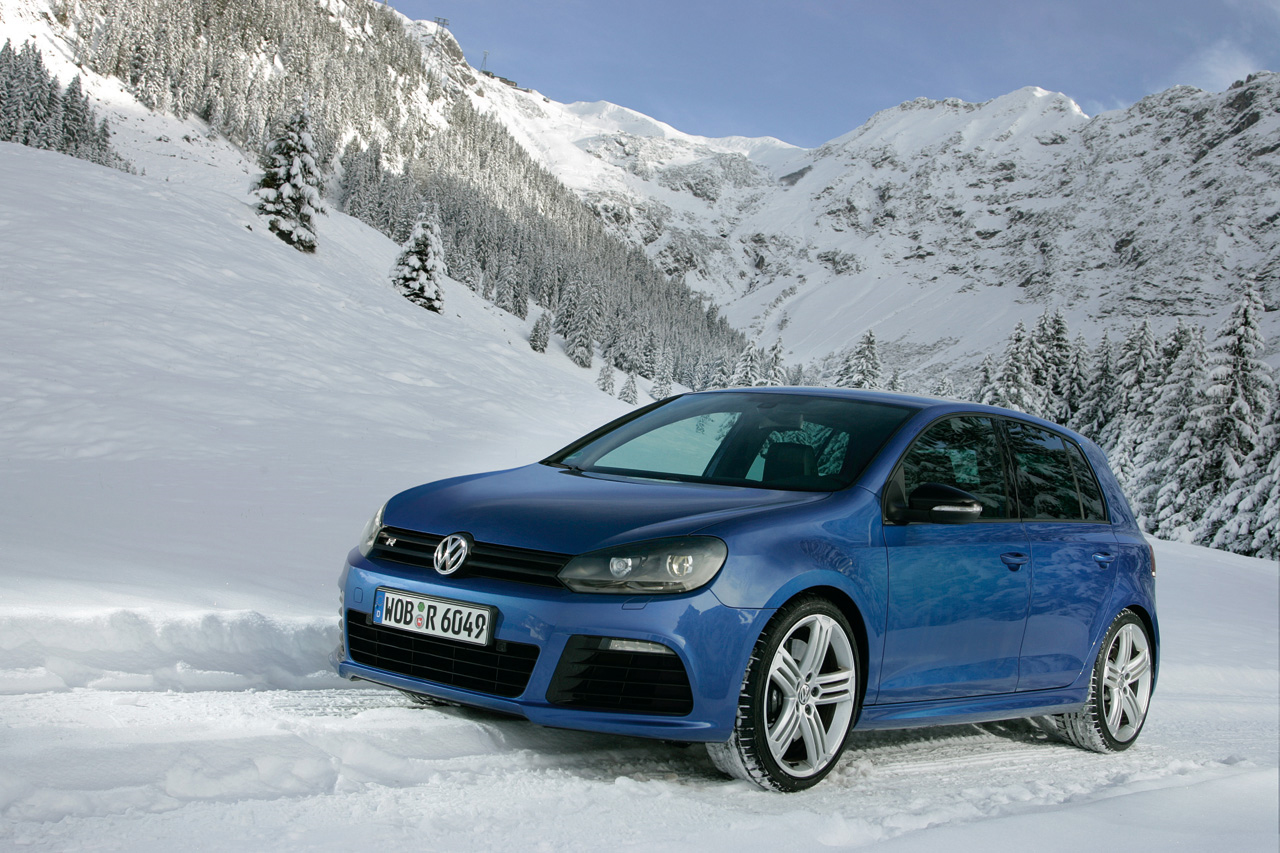 2011 Volkswagen Golf R Preview & Updates