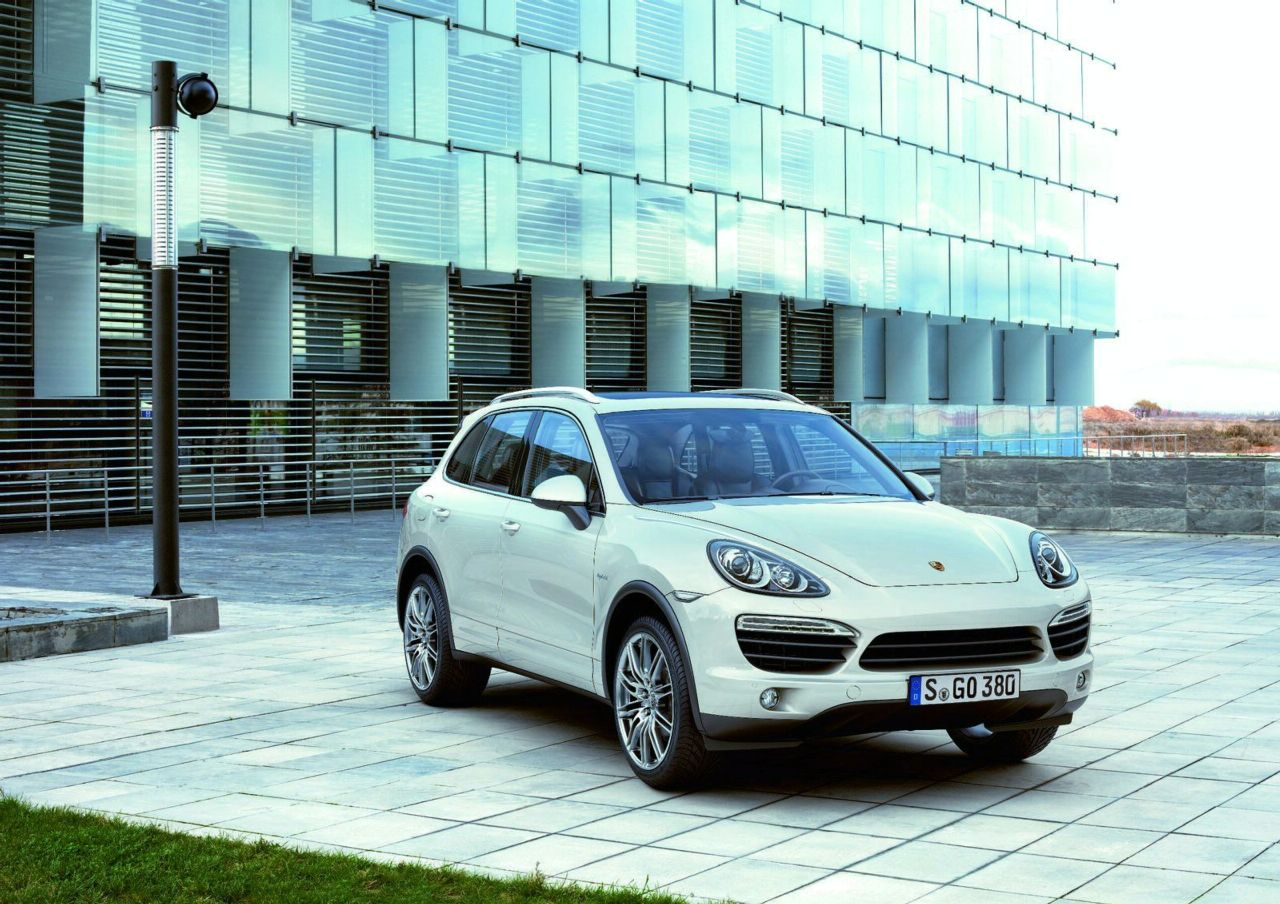2011 Porsche Cayenne Official Details and Images Revealed