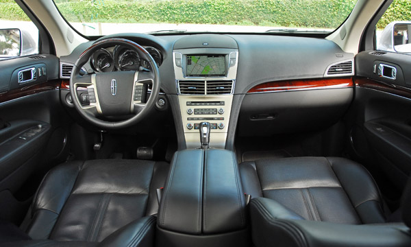 https://www.automotiveaddicts.com/wp-content/uploads/2010/03/2010LincolnMKTDashboard01small.jpg