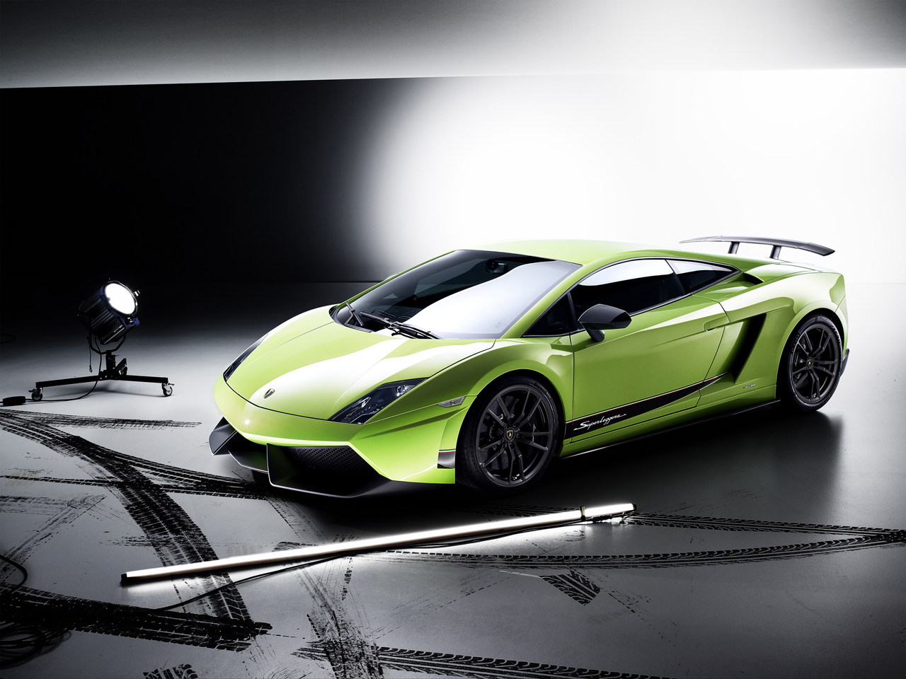 2011 Lamborghini Gallardo 570 4 Superleggera Debuts In Geneva