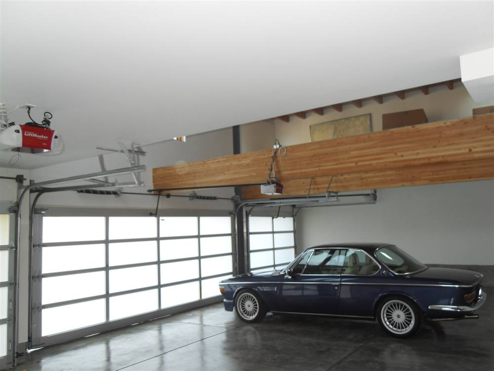 The world s most beautiful garages exotics for Garage cools