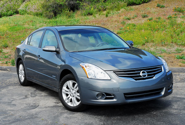 2010 Nissan Altima Hybrid Review & Test Drive