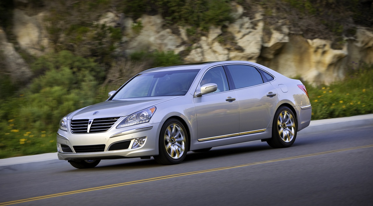 2010 New York Auto Show: 2011 Hyundai Equus Headed for States with an Apple iPad