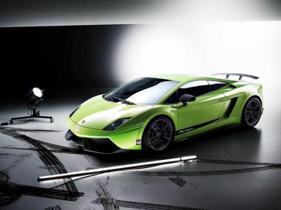 Made of Carbon Fiber: Lamborghini Gallardo LP 570-4 Superleggera Teaser Video