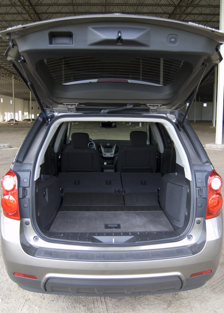 2010 chevrolet equinox review test drive. Black Bedroom Furniture Sets. Home Design Ideas
