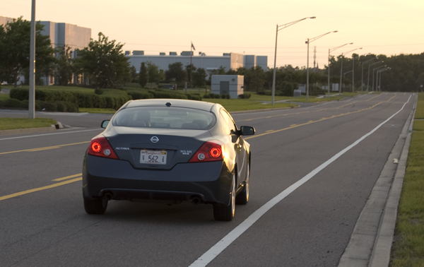 Nissan Altima 2010 Back. Nissan+altima+2010+coupe