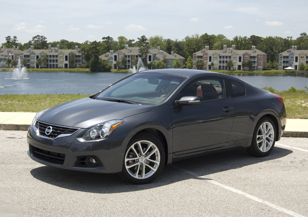 The new 2010 Nissan Altima