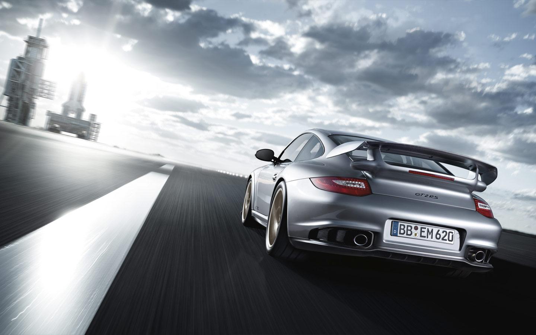 Porsche 911 Gt2 Rs 18 Automotive Addicts