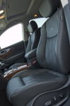 2010-infiniti-fx50s-front-seats