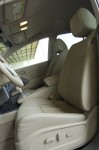2010-nissan-murano-sl-front-seats