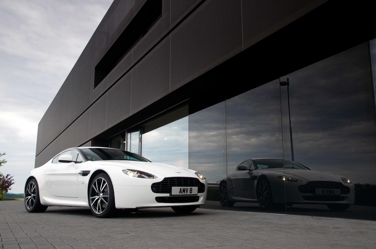 Aston Martin Introduces V8 Vantage N420 Edition