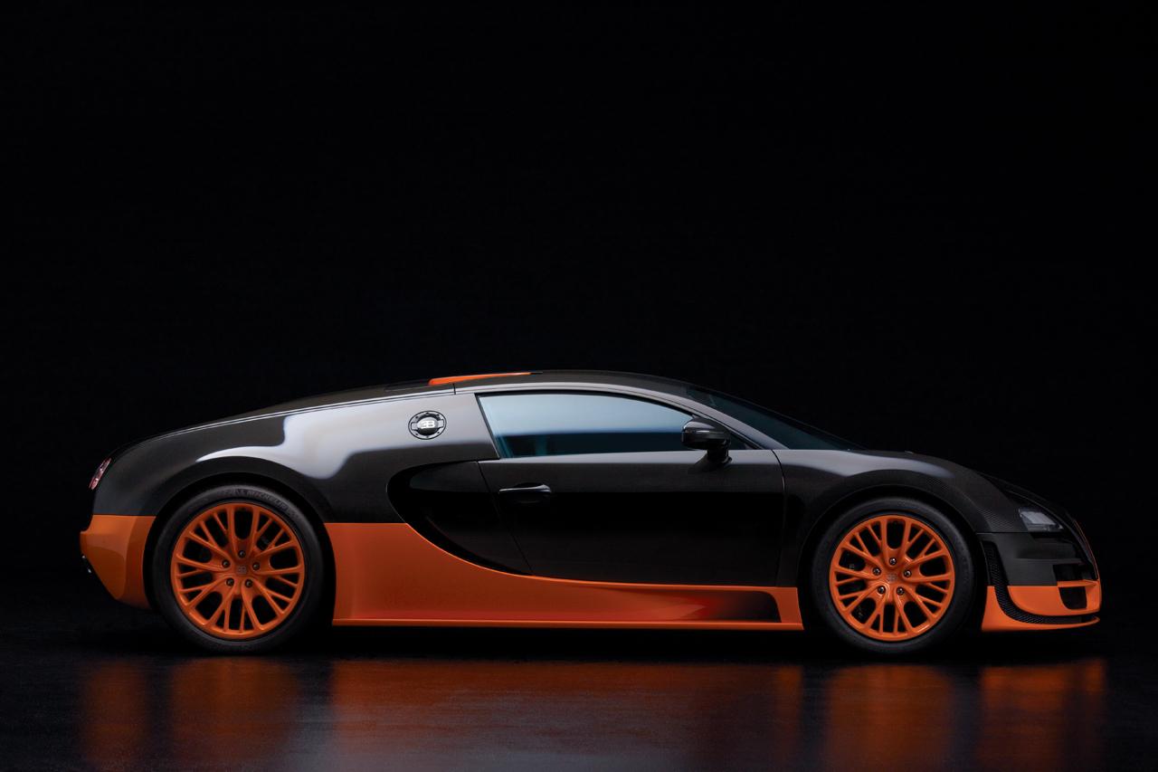 bugatti veyron 16 4 super sport debuts sets production car land speed record. Black Bedroom Furniture Sets. Home Design Ideas