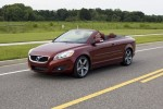 2011-volvo-c70-road-side