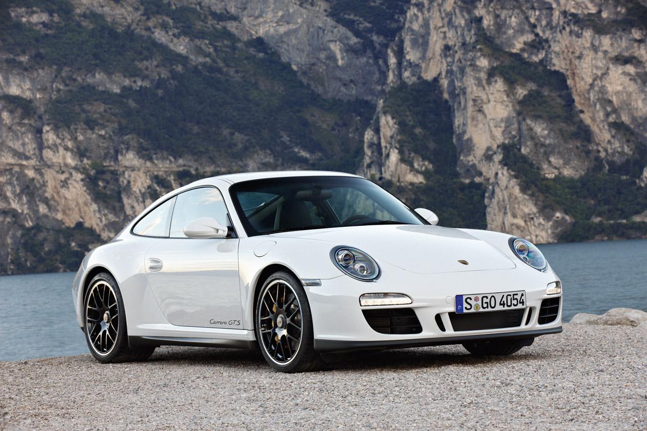 2011 Porsche 911 Carrera GTS 3.8 - Dark