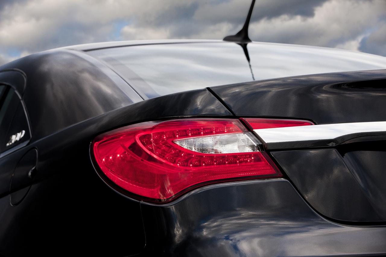 chrysler 200 sedan 2011 克莱斯勒 1 1024x768 壁纸下载高清图片